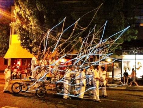 starlight_parade_float_el_wire