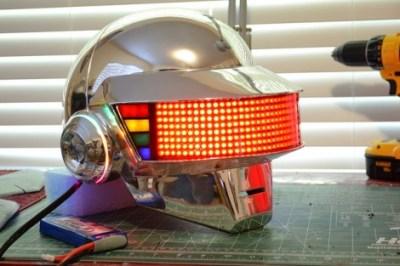 daft punk helmet replica 2 e1317829667710