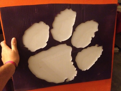 tiger-paw-paint-stencil