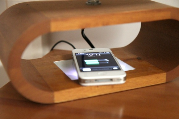 iphone-4s-inductive-charger