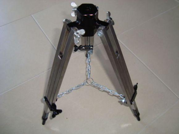 scratch-built-camera-tripod