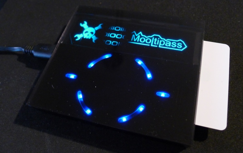 OLED display, blue LED and Smartcard
