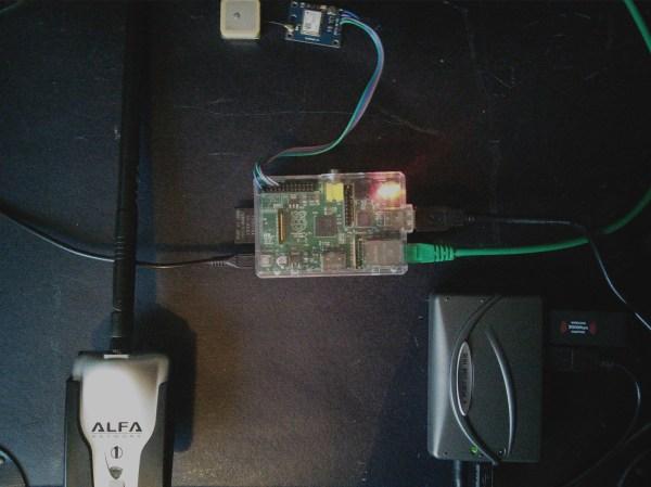 Raspi, GPS, USB hub and battery hooked together