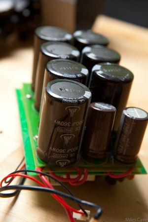 large capacitor bank for flash circuit