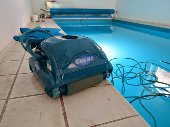 Pool Cleaning Robot Rebuild Works Like