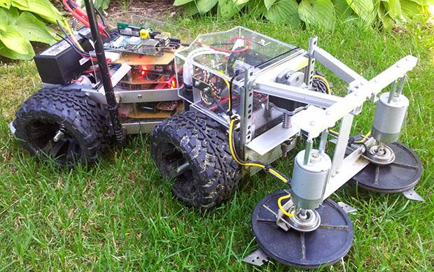 THP Semifinalist: A Robotic Lawn Mower | Hackaday