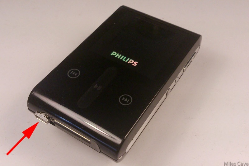 Reanimating A Philips HDD 1420 MP3 Player | Hackaday