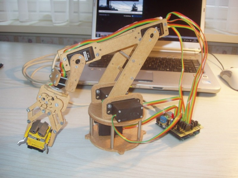 Robot Arm You Can Build At Home | Hackaday