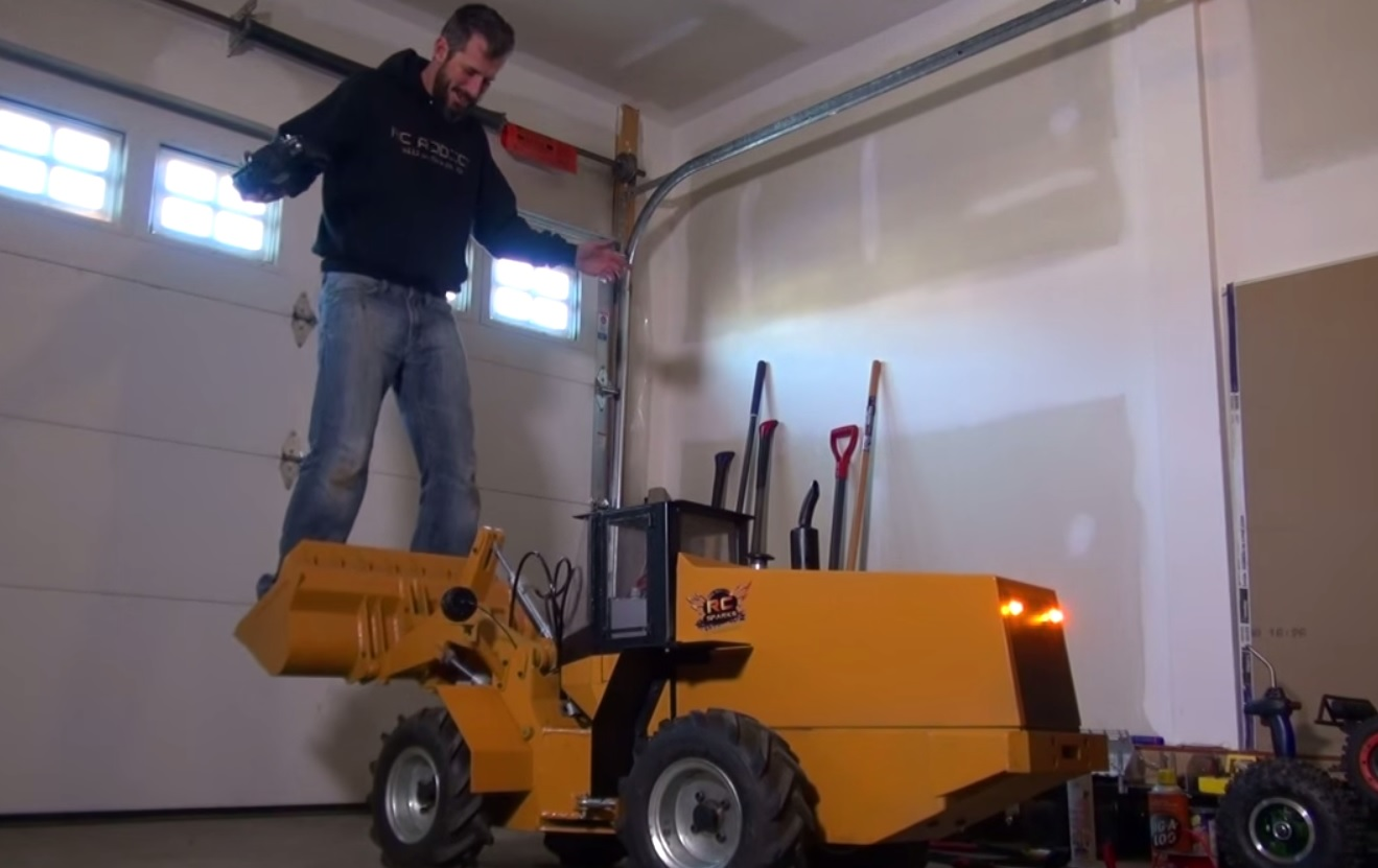 R C Wheel Loader Clears Snow Lifts People Hackaday