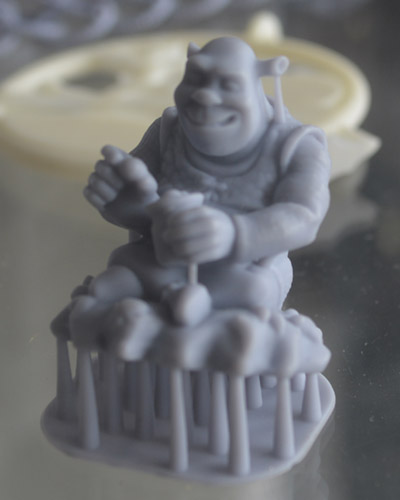 This Shrek is the highest resolution 3D printed object I've ever seen.