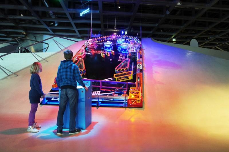 Galactic Dimension – A Supersized DIY Pinball Machine | Hackaday