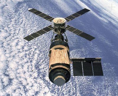 1024px-Skylab_(SL-4)