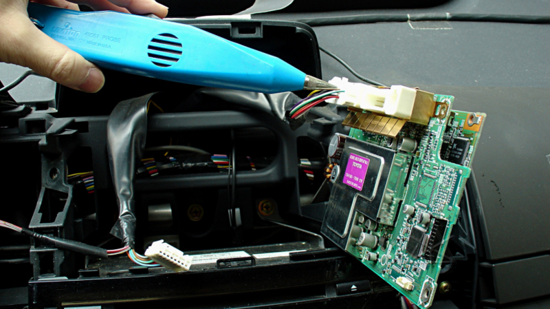 Repairing A Twisted Prius Display Computer | Hackaday