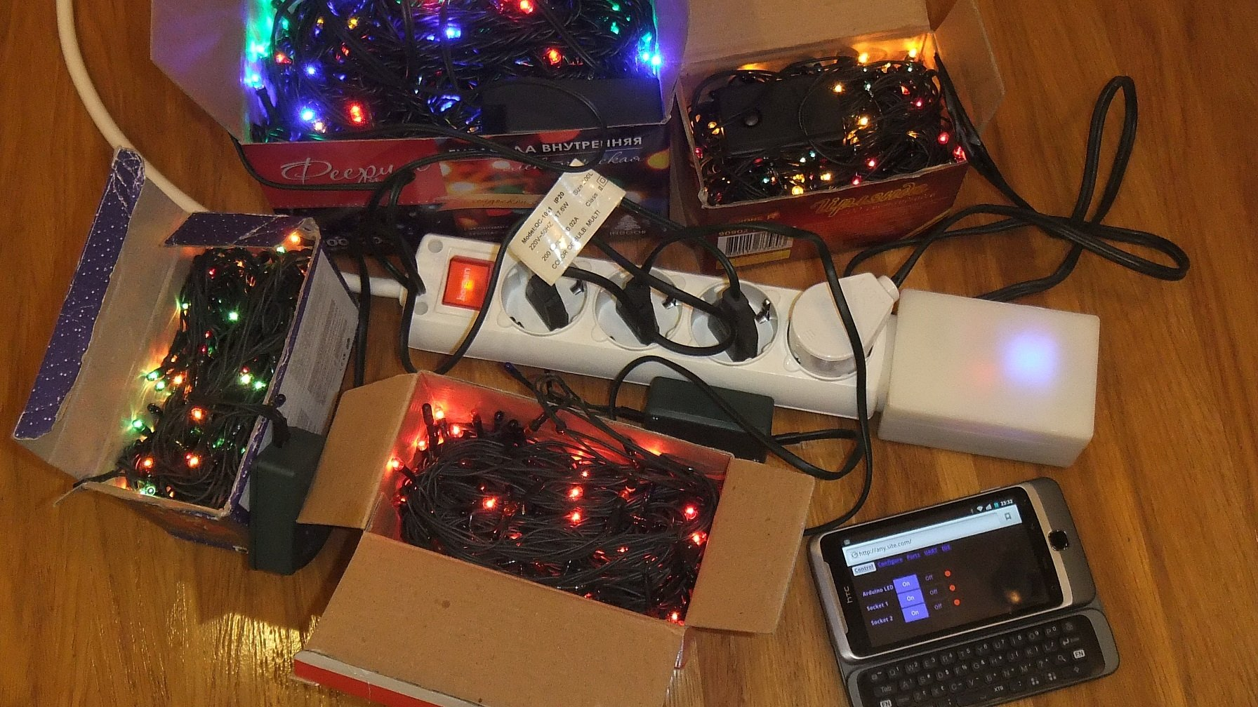 IoT Power Strip Lets You Control All Your Holiday Lights | Hackaday