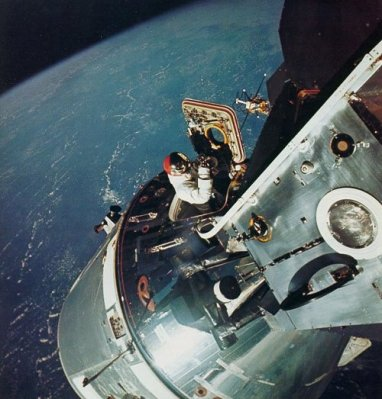 Dave Scott performs an SEVA in Earth orbit during Apollo 9