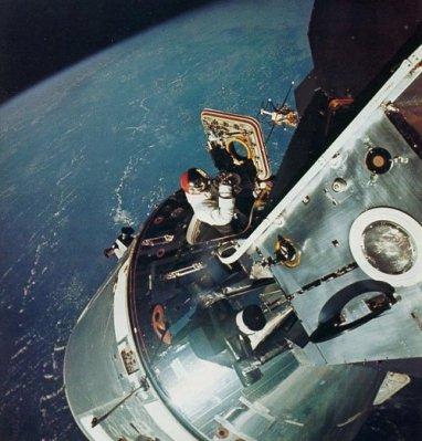 Dave Scott performs an SEVA in Earth orbit during Apollo 9