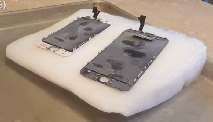 Dry Ice Is Nice For Separating Broken Phone Screens | Hackaday