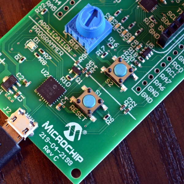Microchip Unveils Online MPLAB IDE And $10 Board | Hackaday