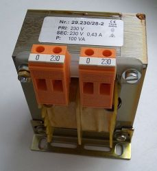A mains isolation transformer. wdwd [GFDL], via Wikimedia Commons