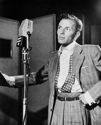 Frank_Sinatra_by_Gottlieb_c1947
