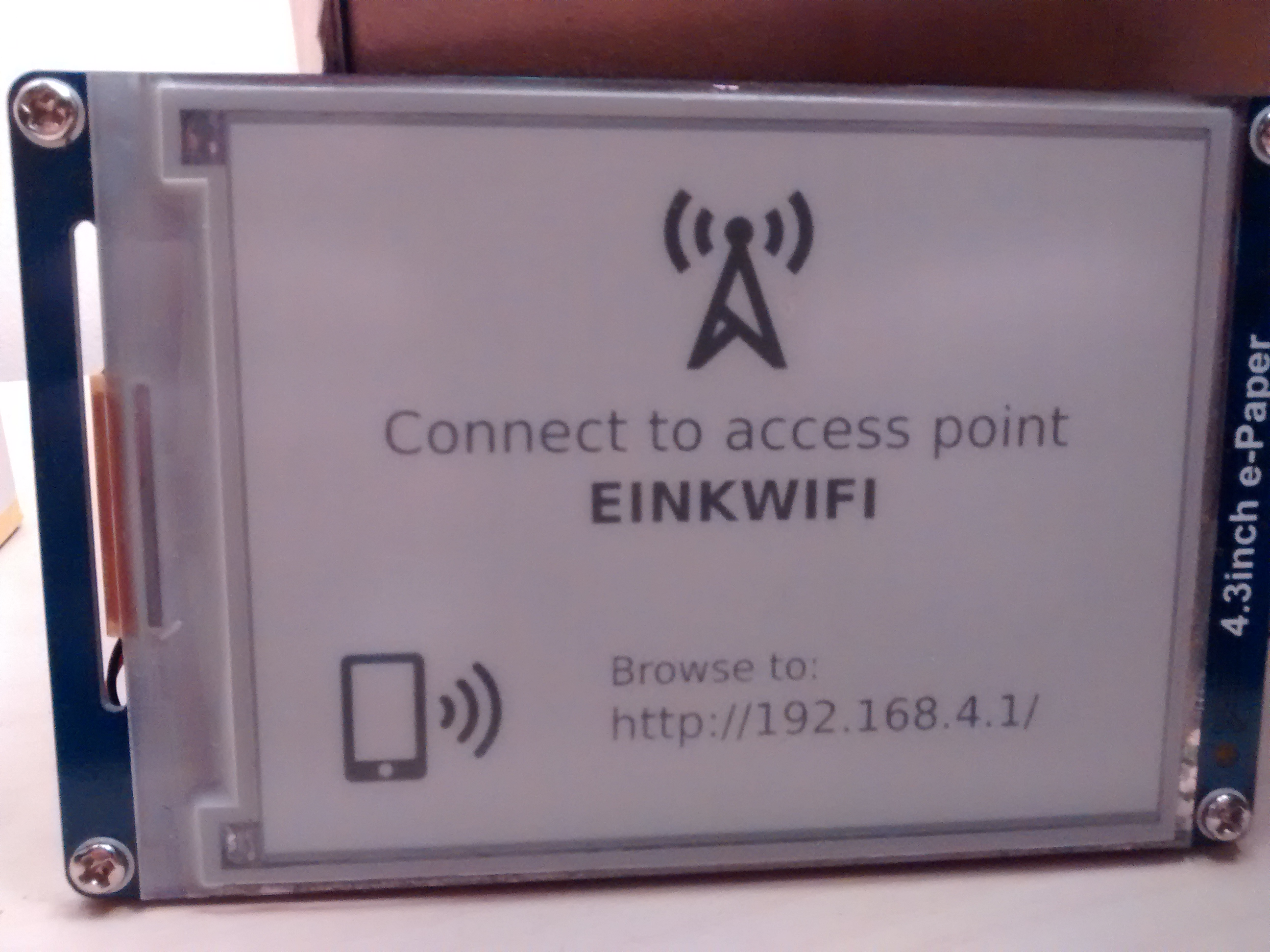 An Improved WiFi Connected E-Ink Display | Hackaday