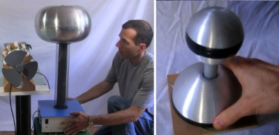 Big and small Van de Graaff generators