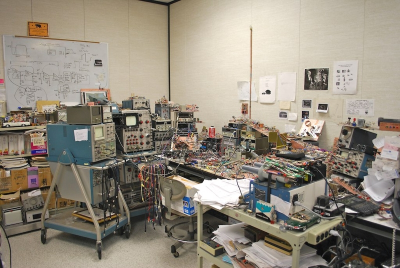 http://www.computerhistory.org/atchm/an-analog-life-remembering-jim-williams/
