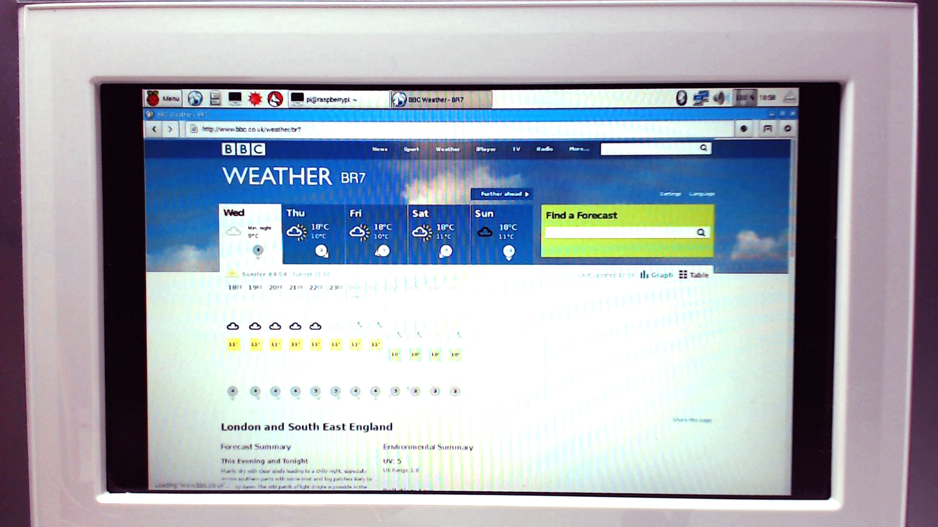 Pi Zero Digital Frame Kiosk Uses OTG Right | Hackaday
