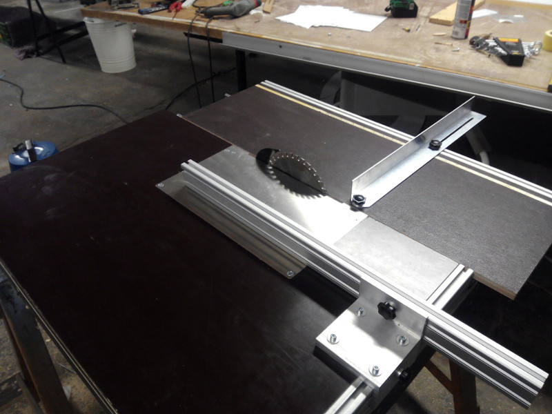 Swell A Very Tidy Circular Saw Bench Hackaday Ocoug Best Dining Table And Chair Ideas Images Ocougorg