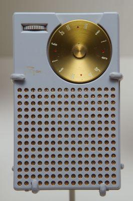 1024px-Regency_transistor_radio