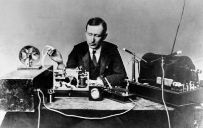 Marconi with transmitting apparatus