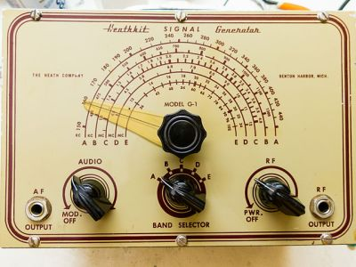 The G1 signal generator, Heathkit's first kit, from 1948. By Jeff Keyzer [CC BY-SA 2.0], via Wikimedia Commons