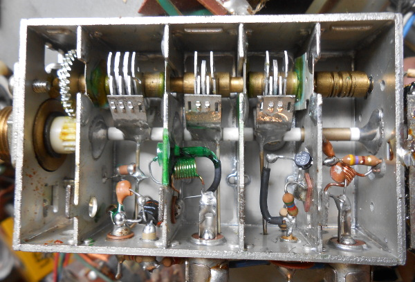 Not Quite 101 Uses For An Analog UHF TV Tuner | Hackaday