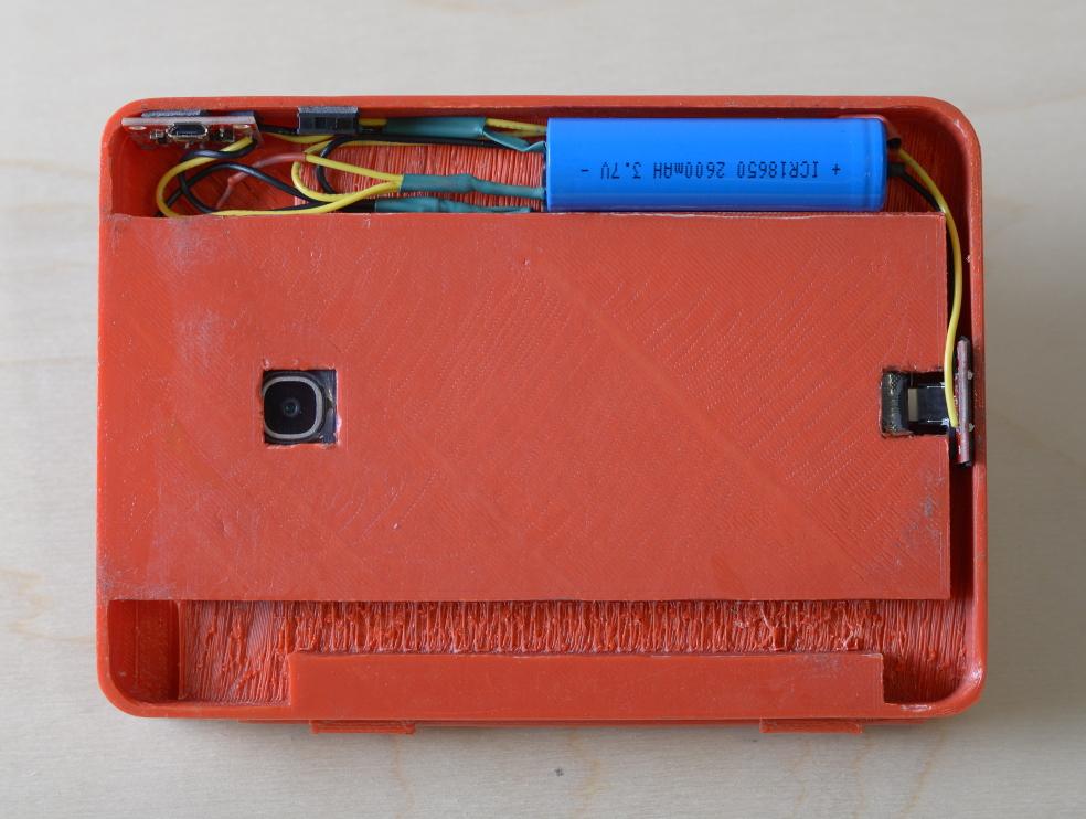 official photos 5222d fa2a8 Pokédex Case Keeps Your Phone Powered Up So You Can Catch 'Em All ...