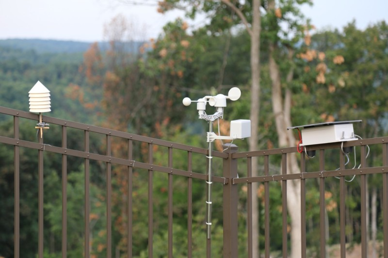 Solar-powered Weather Station Has The Complete Suite Of