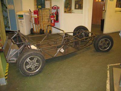 A Locost rolling chassis. Super-seven [Public domain], via Wikimedia Commons.