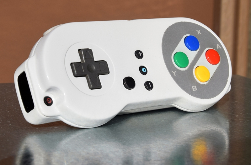 Learn Some Plastic Techniques With This SNES WiiMote Mod