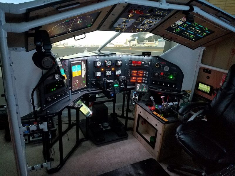 A Next-Level Home-Built Flight Simulator | Hackaday