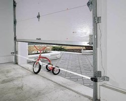 tricycle-door-stopper