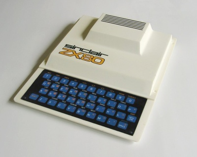 The SInclair ZX80. By Daniel Ryde, Skövde [CC-BY-SA-3.0], via Wikimedia Commons.
