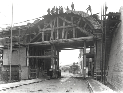 Viaduct construction at High Wycombe. S.W.A.Newton/Leicestershire County Council (Fair use)