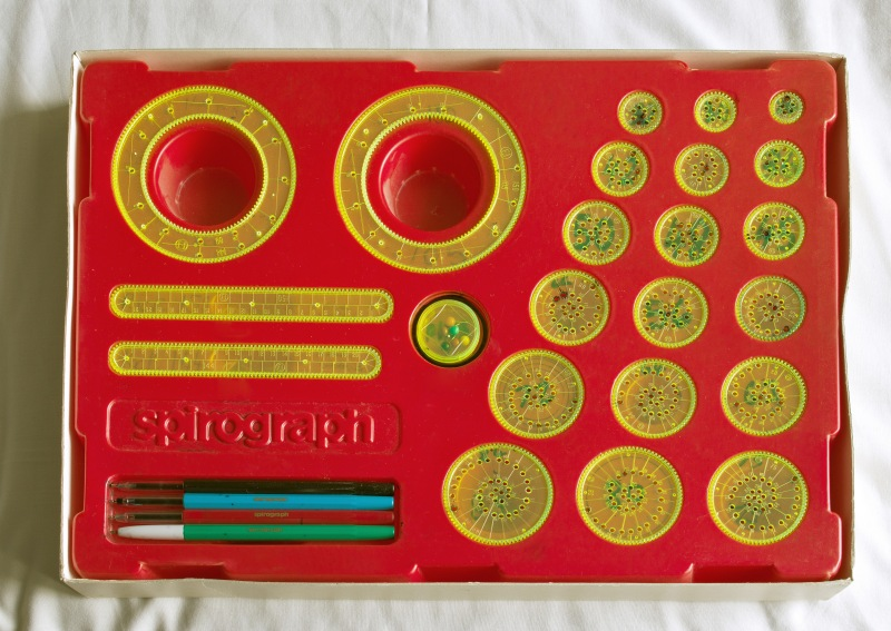 A spirograph set like this cannot make the image above[Image credit: Multicherry CC-BY-SA 3.0]