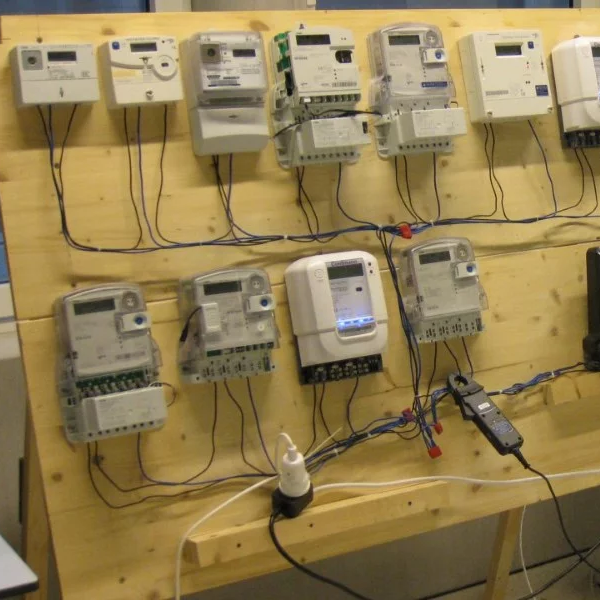 How To Trick Your Electrical Meter By Saving Power | Hackaday
