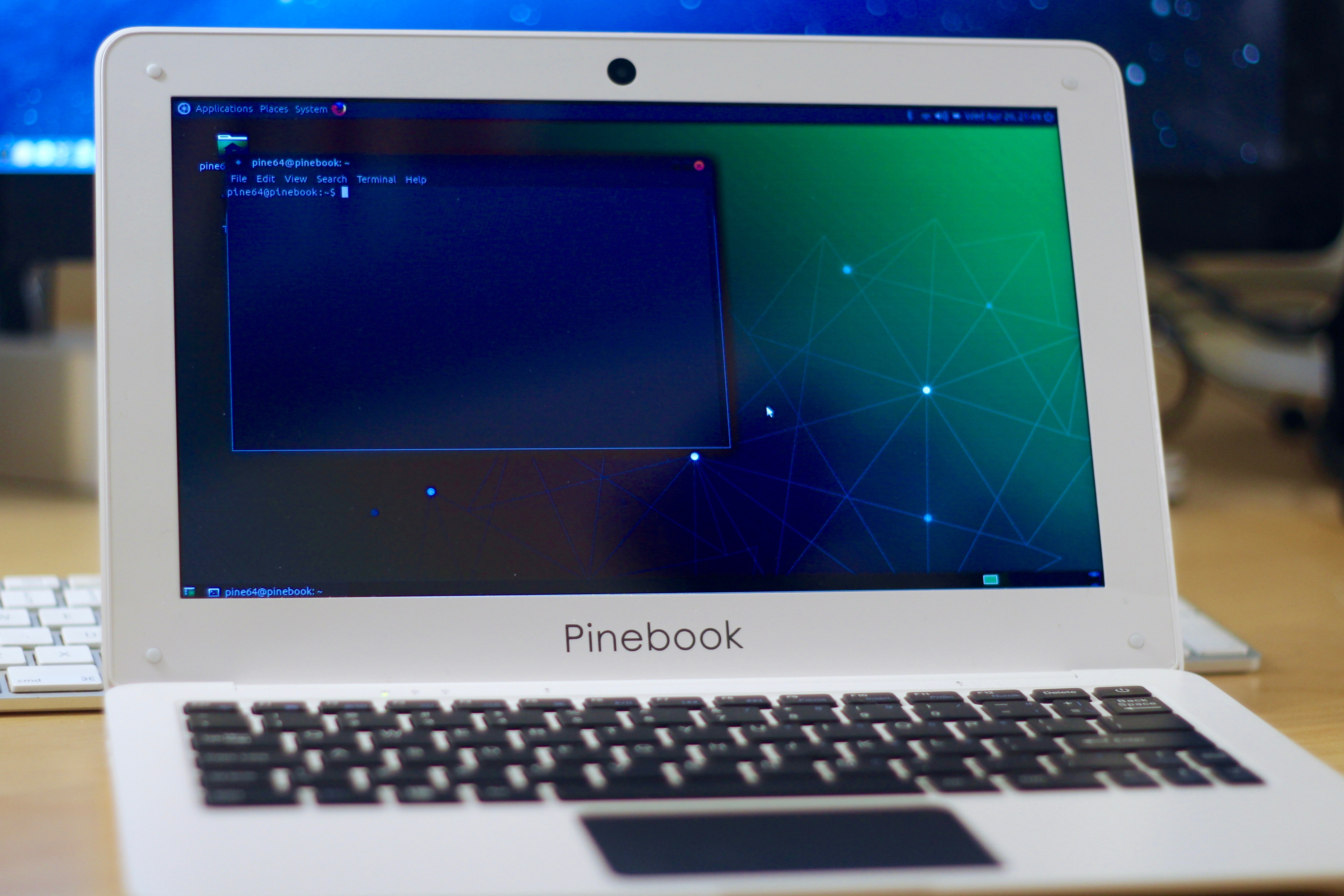 Hands On With The Pinebook | Hackaday