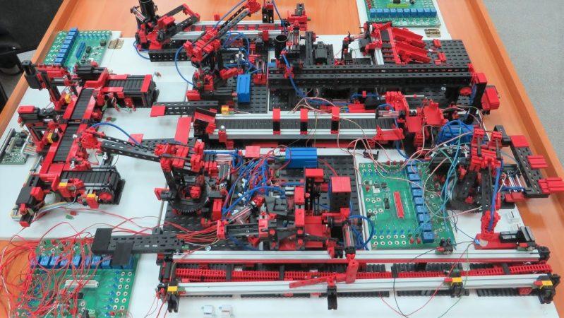 Desktop Factory Teaches PLC Programming | Hackaday