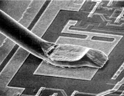 Electron micrograph of a wire bond to the Z80 CTC die