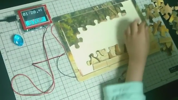 Jigsaw puzzle with timer