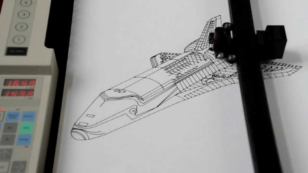 Roland-dxy-1300-pen-plotter-drawing-the-autocad-space-shuttle-dwg