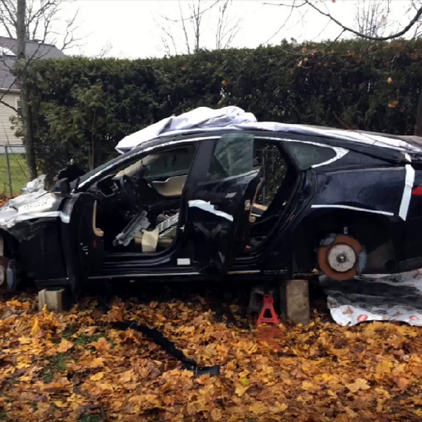 Salvaging Your Way To A Working Tesla Model S For $6500 | Hackaday