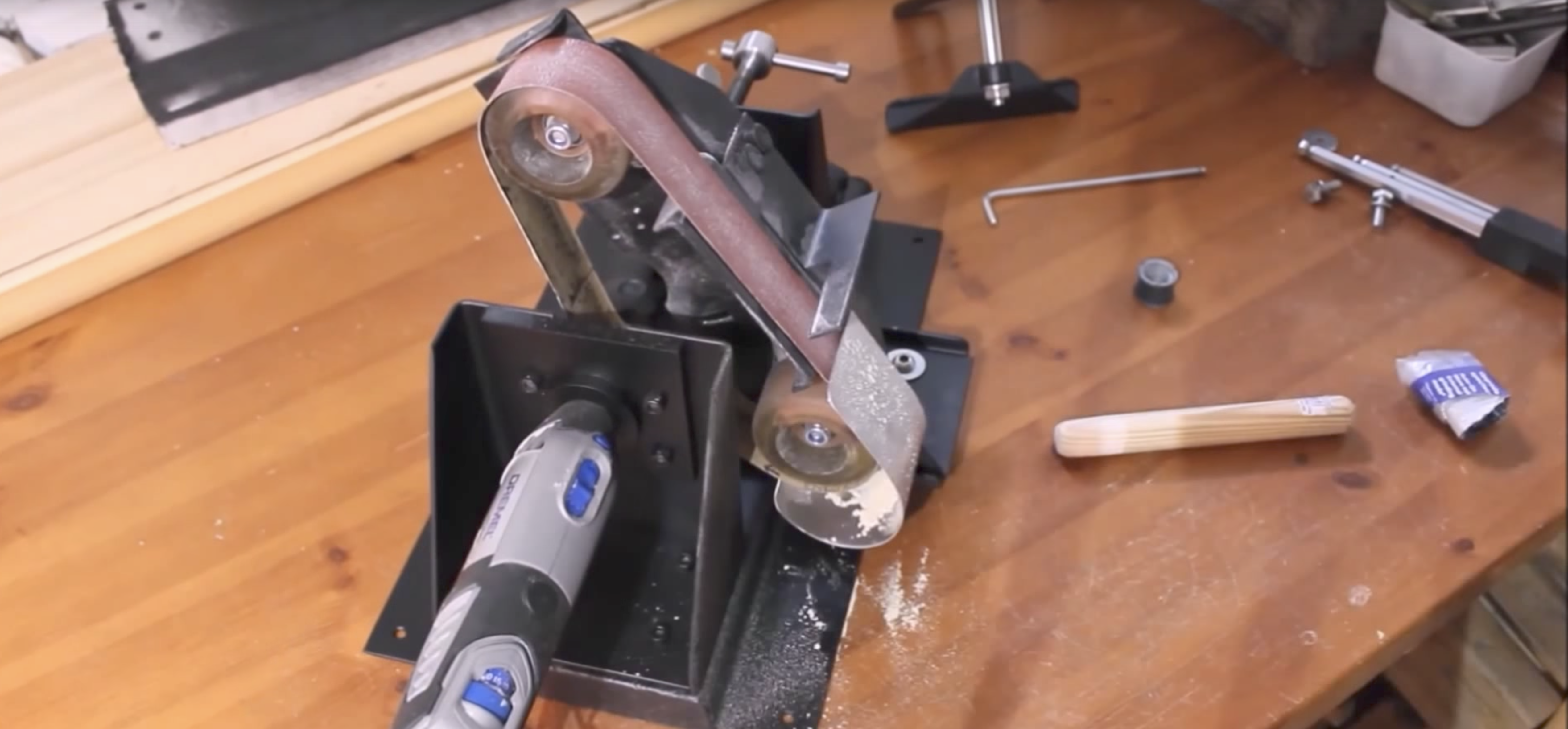 It's A Wall-Mounted Dremel Workstation! | Hackaday